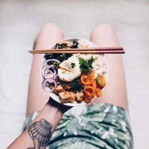 Piatto unico con riso, pollo e funghi