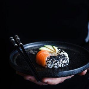 Sushi Donuts al salmón y aguacate